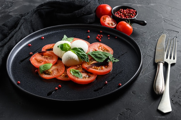 Caprese 샐러드 이탈리아 요리 개념