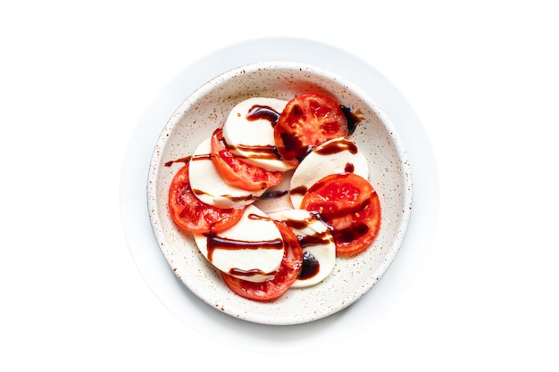Салат капрезе сыр моцарелла помидор лист базилика итальянский закуска копия пространство еда фон деревенский