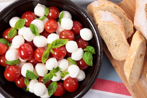 Caprese salad with bread