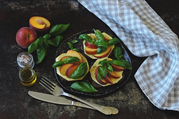 Caprese sandwiches with peach. keto sandwiches. keto diet.