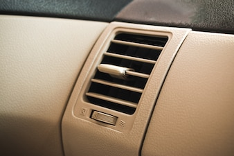 Car air conditioning systemr grid panel on console