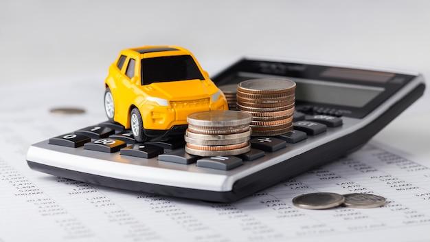 電卓の車とコイン