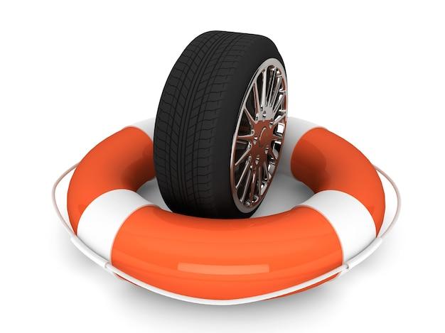 車の援助の概念。白い背景の上のホイールタイヤと救命浮環