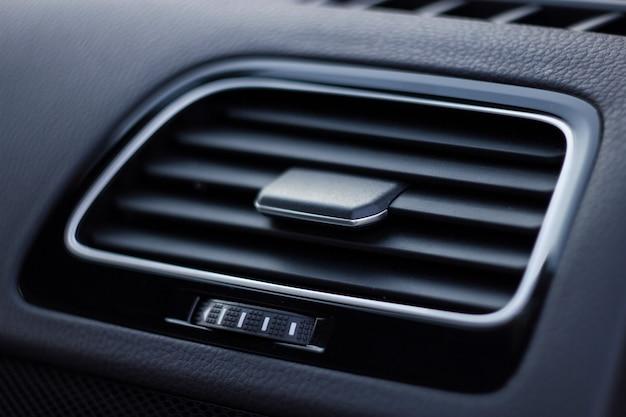 カーコンディショナー車内の空気の流れ詳細インテリア車のパネルのエアダクトデフレクター
