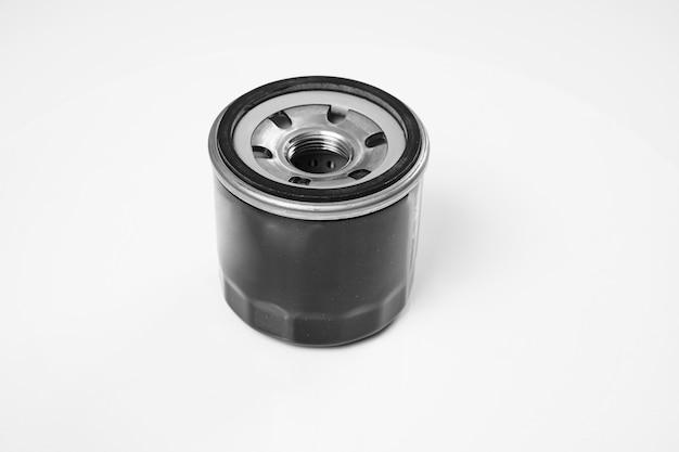 모터, 변속기, 윤활유, 유압유의 오염 물질을 제거하는 자동차 엔진 오일 필터.