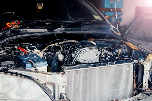 Ремонт двигателя внутреннего сгорания автомобиля детали двигателя радиатор