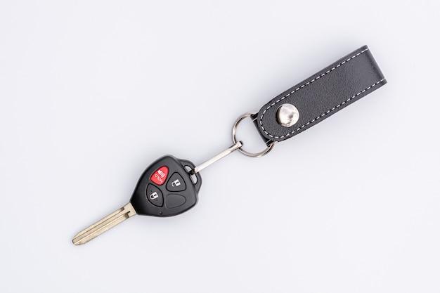 원격 제어 흰색 배경에 고립 된 자동차 키.