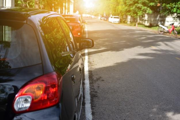 자동차 도로에 주차, 자동차 거리에 주차