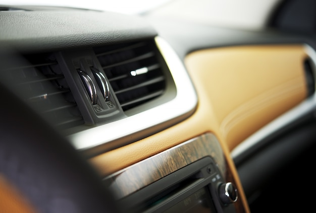 Car vents