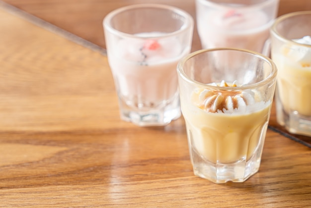 Caramel custard with white cream