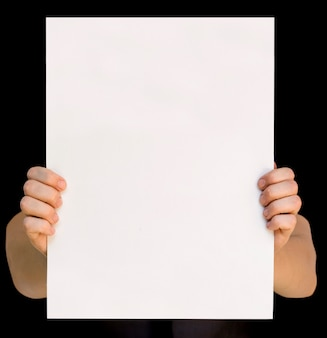 白の手に空白のカード