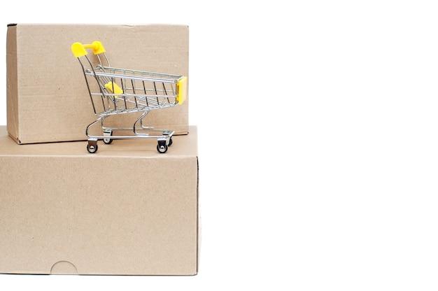 段ボール箱とショッピングカートが分離されました