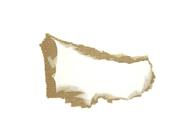 골 판지 조각 질감된 배경입니다. 복사 공간이 있는 판지 조각, 흰색으로 분리된 찢어진 크라프트지