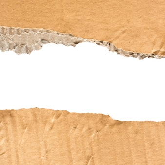 Картонная разорванная бумага с пространством для текста