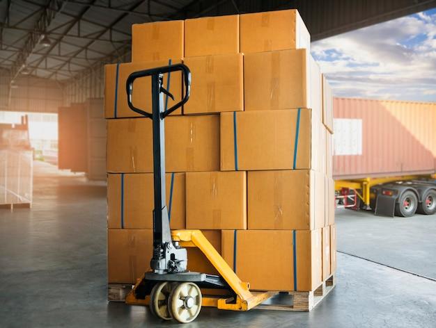 Cargo shipment boxes