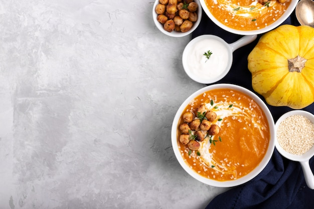 Carrot pumpkin soup with spicy chickpeas