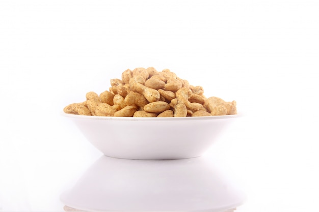 Cashew nut in bowl