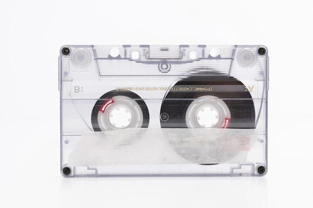 白のカセットテープ