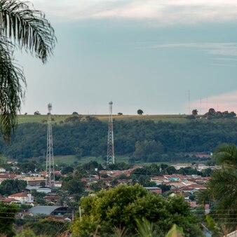 Кассиландия, мату-гросу-ду-сул, бразилия - 01.09.2021 г. крупный план бразильского города кассиландия утром