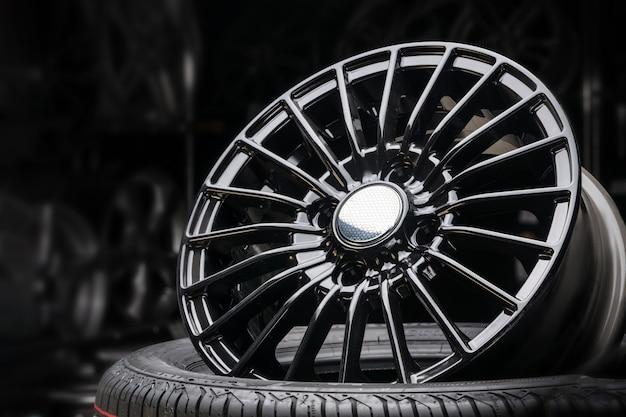 Cast aluminum disc alloy wheel modern