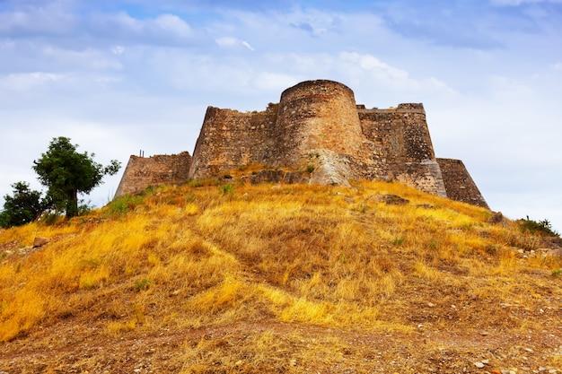 夏のサグントの城