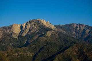 Castle rock spire - sequoia national par