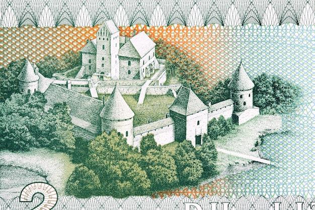 Castle in trakai from lithuanian money