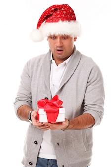 クリスマス帽子のカジュアルな大人