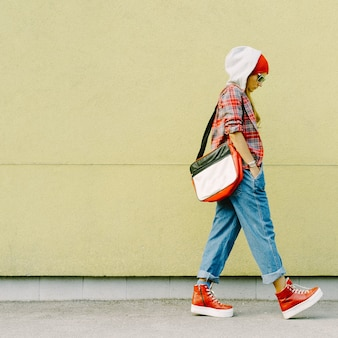 Casual brunette study season fashion urban style