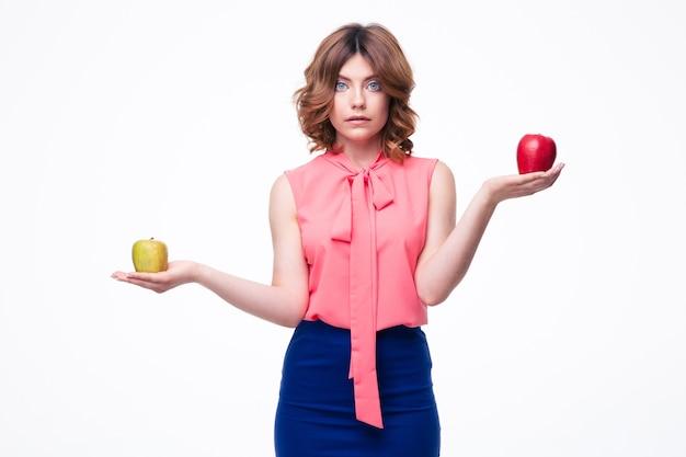 손바닥에 사과 들고 캐주얼 여자