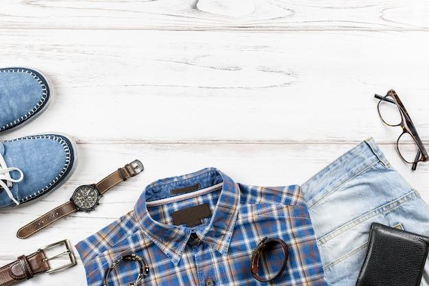 Модная мужская одежда и аксессуары в стиле casual, плоская планировка, копия пространства