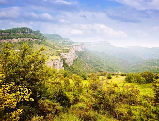카탈로니아 어 산 풍경입니다. 콜 사카 브라