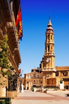 Catedral de la seo in zaragoza. aragon