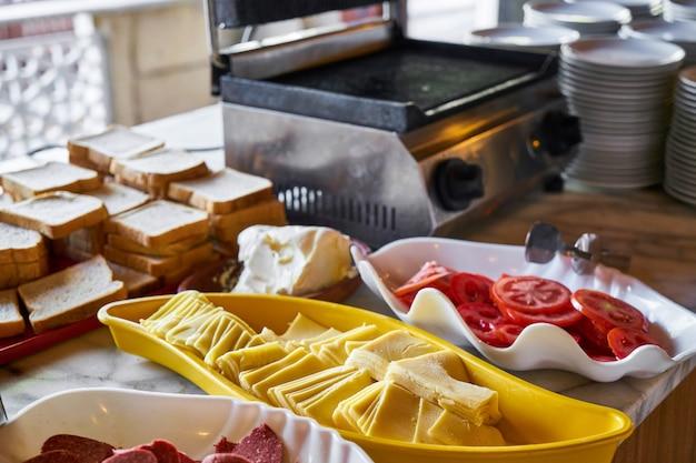 Кейтеринг с закусками в ресторане