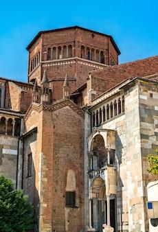イタリア北部、エミリア・ロマーニャ州のピアチェンツァ大聖堂