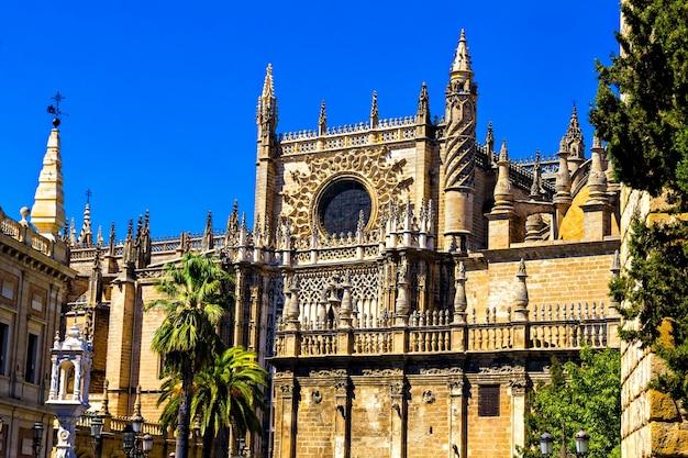 スペインのアンダルシアのセビリア大聖堂、正面図、詳細
