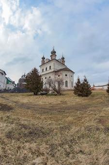 Собор святого архангела михаила в михайло-архангельском монастыре, вид на собор