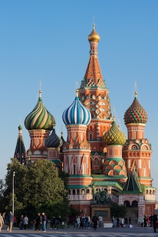 堀、赤の広場、モスクワ、ロシアの最も神聖なテオトコスの保護の大聖堂