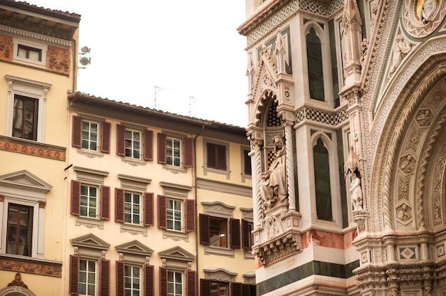 イタリア、フィレンツェのサンタマリアデルフィオーレ大聖堂。