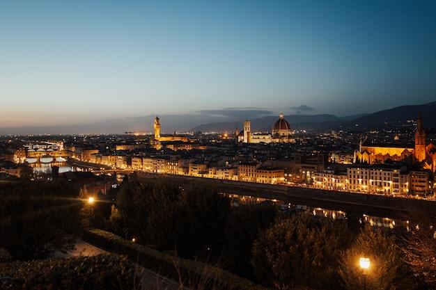 花のサンタマリア大聖堂、ヴェッキオ宮殿、ドゥオーモ、フィレンツェ、トスカーナ、イタリア、ヨーロッパ。