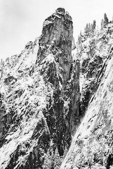 大聖堂の尖塔;ヨセミテ国立公園