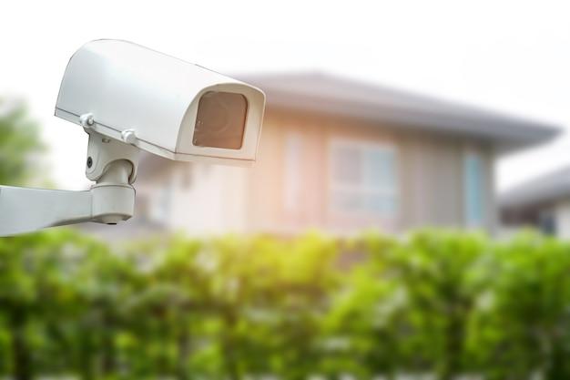 Cctv 폐쇄 회로 카메라, 주택 마을 건물 건설에서 tv 모니터링, 보안 시스템 개념.