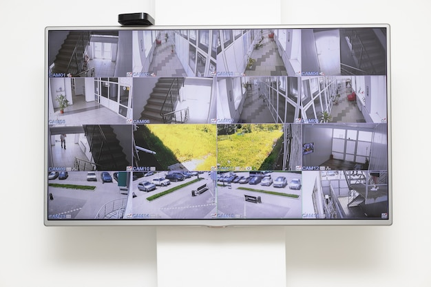다중 카메라 뷰가있는 cctv 보안 시스템