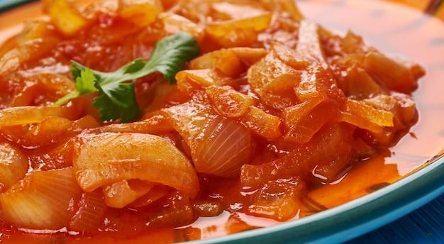 Cebolada-ポルトガルのオニオンシチュー、オニオンソースまたはペースト、ポルトガル料理