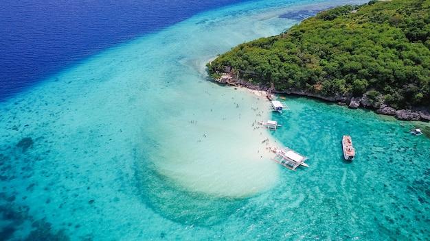 Песчаный пляж cebu вода бирюзовый