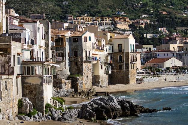 シチリア島チェファル