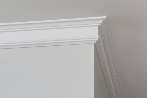 Ceiling moldings in the interior corner