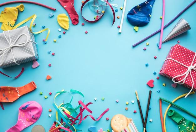 お祝い、パーティーの背景の概念のアイデアとカラフルな要素
