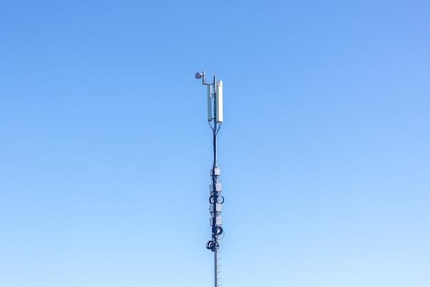 Вышка сети сотовой связи концепция интернета 5g фото высокого качества