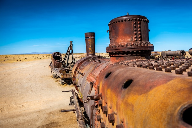 放棄された列車の墓地、ボリビアのウユニ